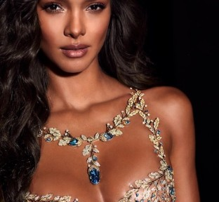 Lais Ribeiro Wows in Victoria's Secret's Fantasy Bra by Mouawad
