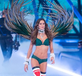 Mouawad Sparkles at Victoria's Secret Fashion Show 2016