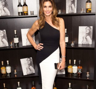 Becoming Cindy Crawford