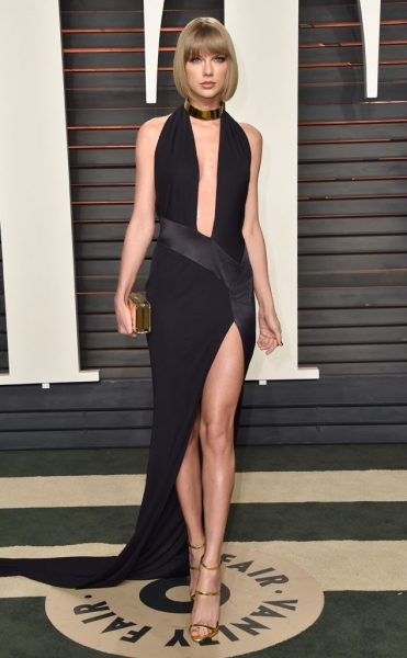 Taylor-Swift-Taylor Swift  In Alexandre Vauthier Couture.jpg